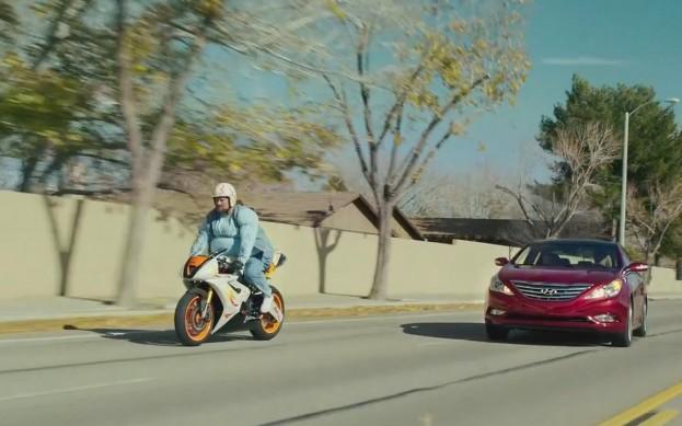 Hyundai-Sonata-front-view-in-Super-Bowl-ad-623x389