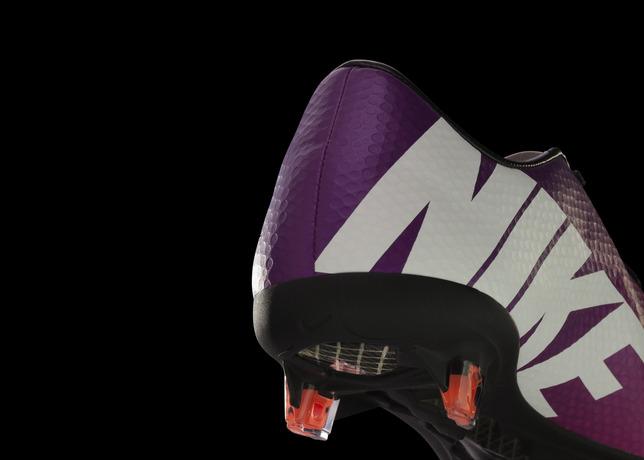 Nike_Mercurial_IX_Fireberry_Plate_01_16758