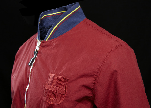 FCB_AUTH_REVERSIBLE_RED_02_17472