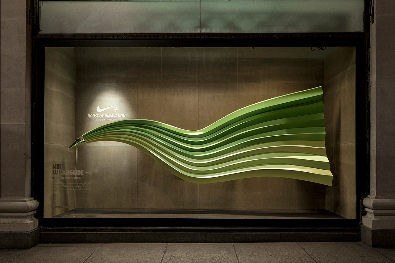 nikes-interactive-display-windows-by-staat-1