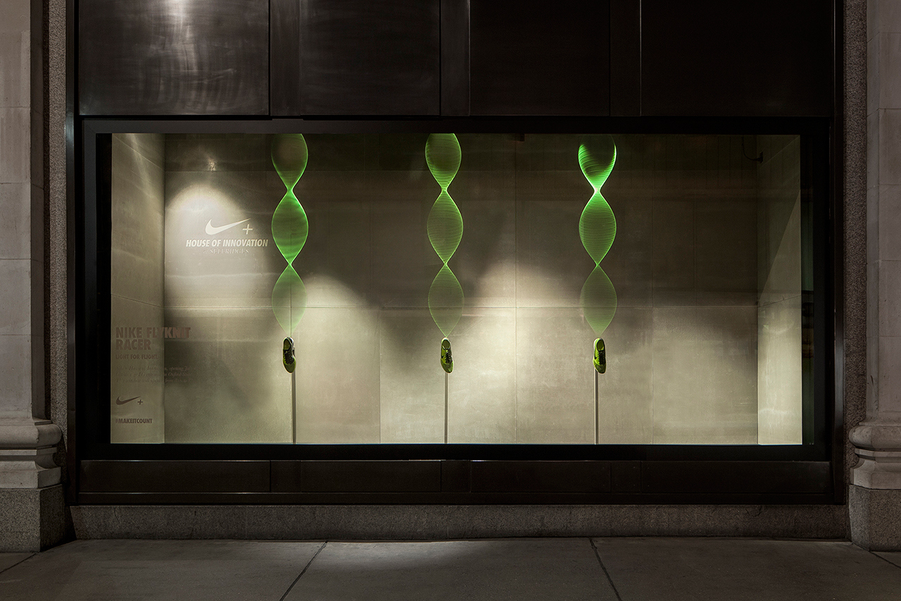 nikes-interactive-display-windows-by-staat-2