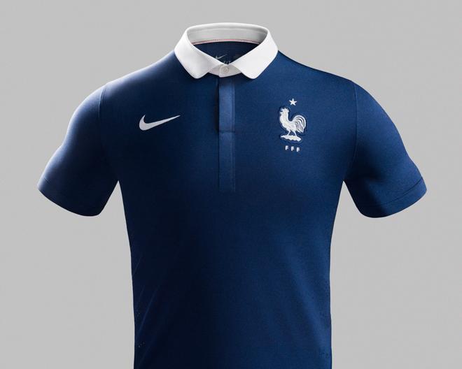 Le nouveau maillot domicile de l 39 quipe de france de for Maillot exterieur xv de france