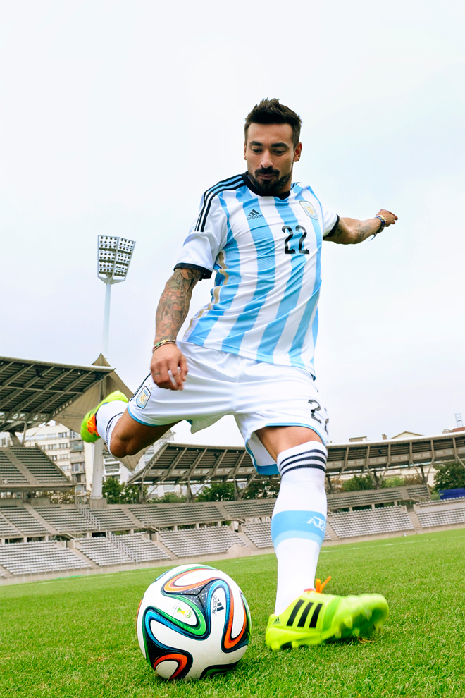brazuca-adidas-ball-fifa-world-cup_lavezzi