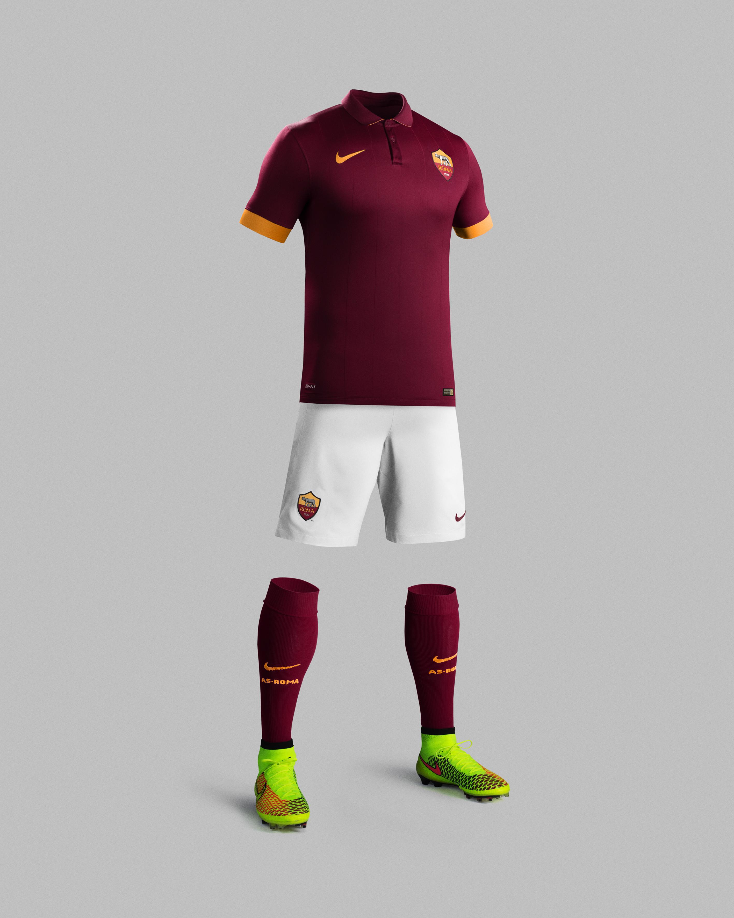 Su14_Match_AS_Roma_PR_H_Full_Body_R_30067