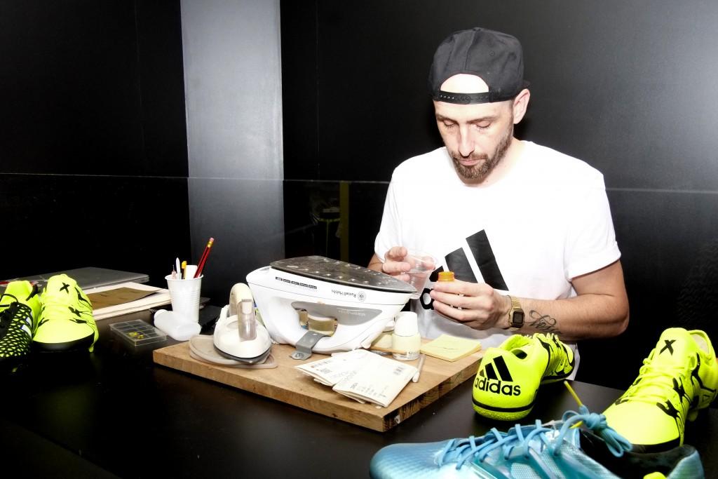 Pierre Navarro (ORRAVAN DESIGN), l'expert en customisation de chaussures développe une direction créative spéciale pour adidas Football.