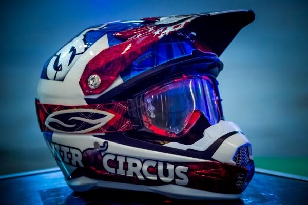 Travis-Pastrana-Nitro-Circus-casque