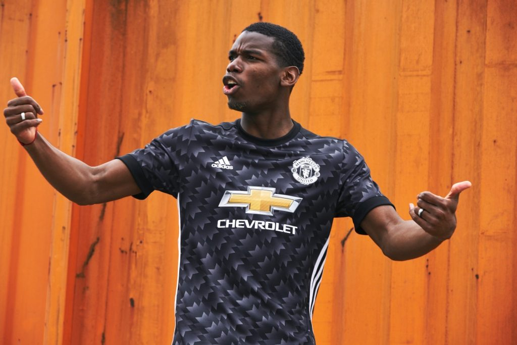 Paul Pogba Manchester United maillot 2017-2018