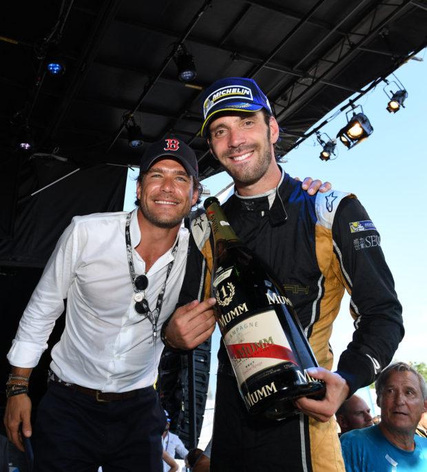 Carl Gurdjian et JEV après la victoire du pilote français lors de la 2ème course à Montreal le 30 juillet 2017