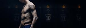 Zlatan Ibrahimovic se fait tatouer pour combattre la famine