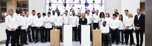 La Team des Athlètes SNCF, et à droite, Brice Guyart, directeur projets Paris 2024 et grands événements sport pour SNCF, ancien athlète SNCF